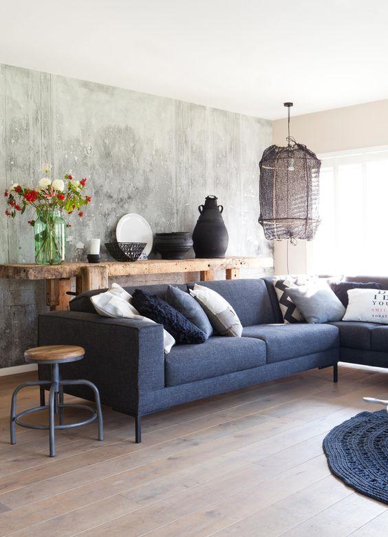 blauw en bruin in woonkamer