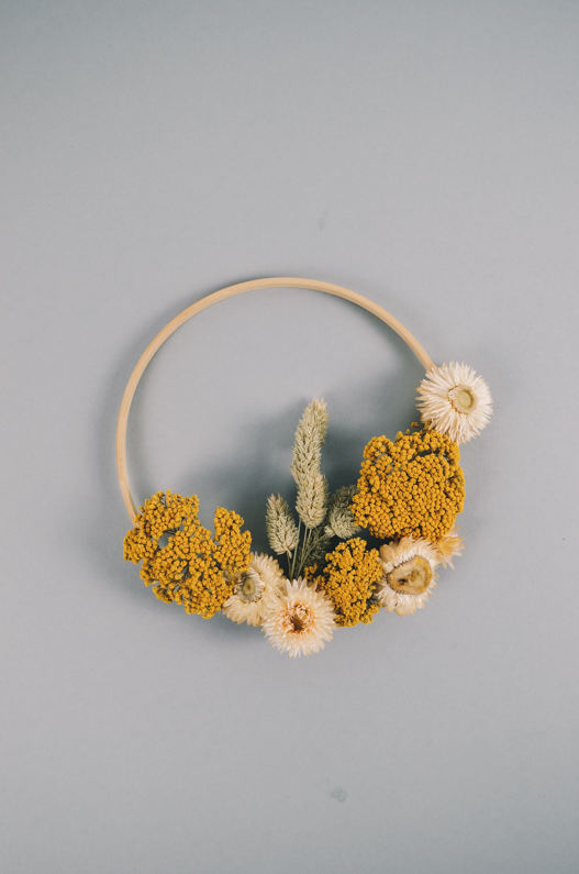 droogbloemen in borduurring